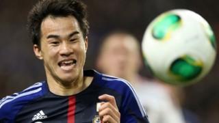 【スーパープレイ】岡崎慎司の『胸パス』が海外番組トリックプレー映像特集に取り上げられる快挙(動画有)…英国『Soccer AM』