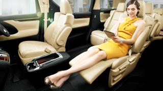 トヨタ新型アルファードがあり得ないくらいダサい件(画像有) 新型ハイエースは不審者職質待ったなし!…第44回東京モーターショー2015