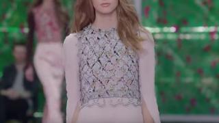ディオールの新しい「顔」に起用した14歳モデルに物議(画像有)…ファッション業界の低年齢化