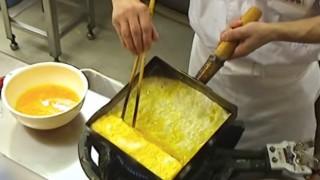 美味しい「だし巻き卵」の作り方…世界が絶賛した日本人がだし巻き卵を作る動画