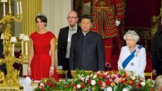 イギリス王室が習近平との晩餐会で陰湿に中国をディスる画像が話題…習近平氏に1989年天安門事件ものワインで皮肉る?