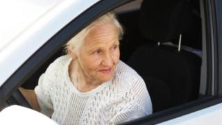 【動画】オバハンの運転は怖いってはっきりわかんだね(´・ω・`)