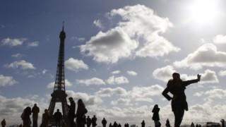 旅行行って応援やぞ 仏パリ行き航空券がくっそ安い おまえら急げ!