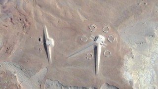 エジプトの砂漠に現れた構造物(画像)謎を解き明かした知恵袋カテゴリマスターに2ch濡れる