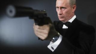 【画像】おまえら大好きプーチン大統領の2016カレンダーが爆誕!