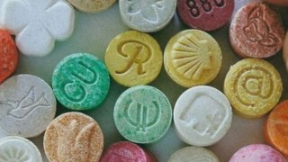 合成麻薬MDMAにハマって廃人になった美少女 ※動画アリ※