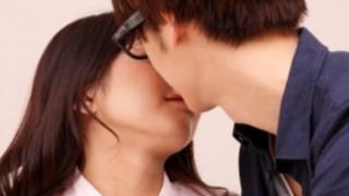 おもいっきりキスを拒否られる悲しい動画が話題