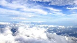 まるで雲の上 霧に包まれたスロベニアのハイウェイが美しい・・・ ※画像※