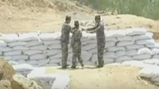 中国女性兵士「手榴弾なげるよ!えぃ!(ポロン)」上官「ひぇ」※動画※危機一髪ドッカーン失敗映像