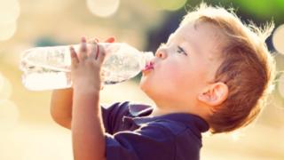 コストコ激安飲料水の原材料は水道水だった ボトルウオーターpurified water(ピュリファイドウオーター)原材料表示に物議