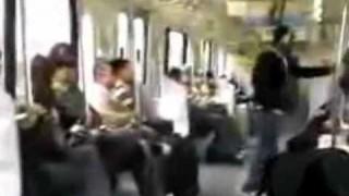 電車内で撮影されたヤバイ女<動画>ほかスルー推奨な人たち