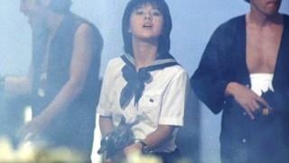橋本環奈と薬師丸ひろ子のダブル「カイカン」<動画>セーラー服と機関銃オマージュ新予告映像公開