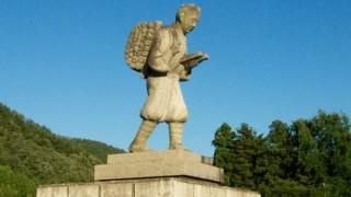 二宮金次郎像が学校から次々撤去されていく理由