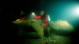 保存状態がすげぇ!エジプトの海に沈んでいた2000年前の石碑や像 ※画像アリ※
