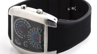 今こんなお洒落な腕時計が300円で買えるんだな