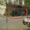 ブルドーザーで喧嘩 ライバル企業同士の大乱闘が面白い<動画・GIF>中国