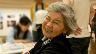 87歳お婆ちゃんの遊び心<画像>BBAカメラマンの自撮り写真がスゴイ