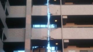 熊本大地震 真っ二つに割れたマンション<画像>エキスパンションジョイントという仕様構造が機能した証拠 むしろGJ