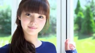 新川優愛ちゃんの美尻と美脚<画像と動画>この娘可愛いなあ(*゚▽゚*)