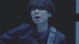 ゲス川谷の新曲「聞いてください『僕のせいで終わったよ!』」<夜の恋は/藍色好きさ歌詞と音あり>想いを歌詞にのせるのがミュージシャンだけど かなり直っすな(´・ω・`)