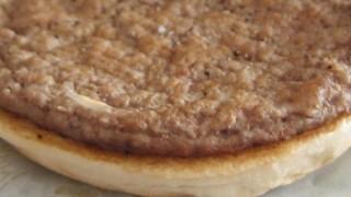 とあるファストフード店のハンバーガー 肉の成分を検査した結果 都市伝説が現実に…アメリカ