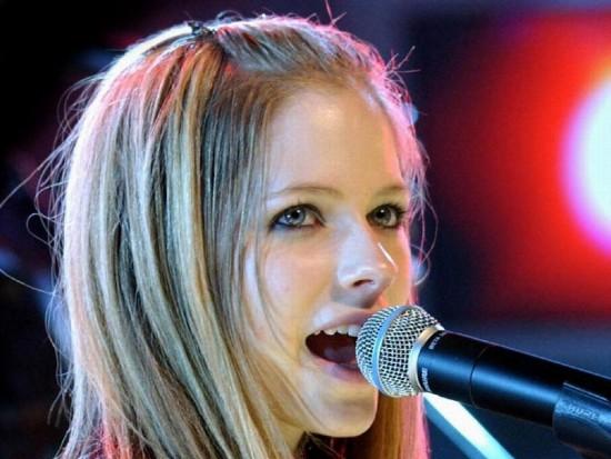Avril-Lavigne-1