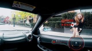 Ferrariに乗ってると女性にどれだけ注目されるか実験してみた結果<動画>めちゃくちゃ笑顔でワロタwwwww