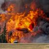 完全に戦場 カナダ山火事「ザ・ビースト(野獣)」の様子<動画像>一面焼け野原 焼失面積東京23区の約5倍に