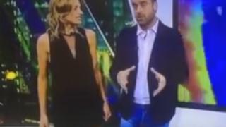 美人女性キャスター生放送中に自分でスカートめくって下着見せちゃう放送事故<GIF・動画>FOXニュースからハプニング映像