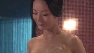 このヌルヌルおっぱいgif画像の美人女優だれや!? 映画の詳細教えてくれ!!!