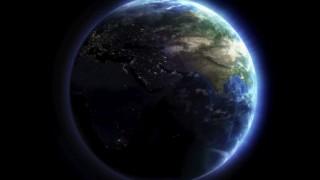 NASAが超レアな写真公開「月が地球に写り込む」
