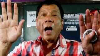 フィリピン大統領 vs 麻薬王 大統領スゴ過ぎるwwwwww