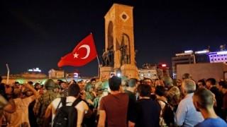 トルコ クーデター失敗<報道まとめ>クーデター背後にイスラム教団体「ギュレン運動」 亡命中の指導者の身柄引き渡しを米国に要求