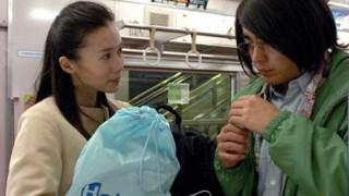 リアル電車男あらわる<動画・GIF>ホームで男に絡まれてる女性を助けてあげたカッコ良すぎるオジサンが話題に