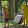 ポケモンGOの逆襲が面白い<動画再生数120万>巨大モンスターボールをぶつけるドッキリ