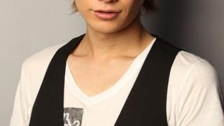 同性愛者だとカミングアウトしたイケメン俳優 井深克彦に反響