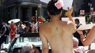 公共の場でトップレスになる権利を求めた女性たちのパレードの様子が凄い<動画像>世界各地でゴートップレス・プライド・パレード