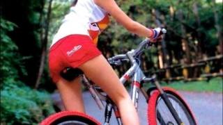 器物ペロペロ罪 女の子の自転車のサドルを舐め回すおまえらが激写される ⇒ 画像