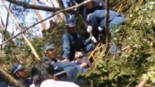 「首も絞まっちゃうよ」笑う警官 抗議市民拘束(動画アリ) ⇒2ch「左翼の違法行為を支援する左翼メディアの異常さ」
