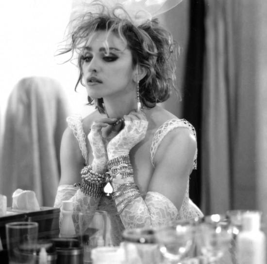 1984-madonna-by-steven-meisel-for-like-a-virgin-cover-album-session-madonna-10126948-2560-2538
