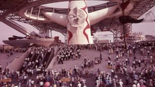 大阪万博(1970年)のコンパニオンの制服のセンスが凄い →画像