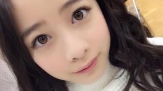 橋本環奈ちゃん今日発売「ヤンマガ」グラビアで可愛すぎるネコに 胸元チラ見せ写真も掲載
