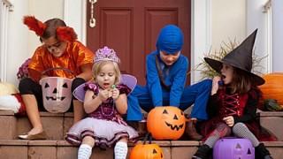 今年いちばんのハロウィン仮装が決定 →「ハロウィンやし子どもに怖い格好させたろ!」