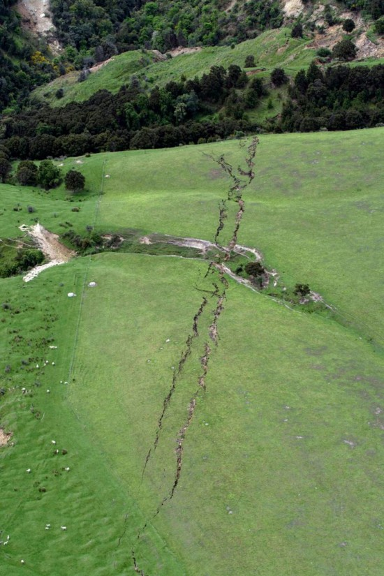 strange-lights-new-zealand-earthquake-1