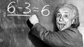 アインシュタインが相対性理論を発表した年齢 →