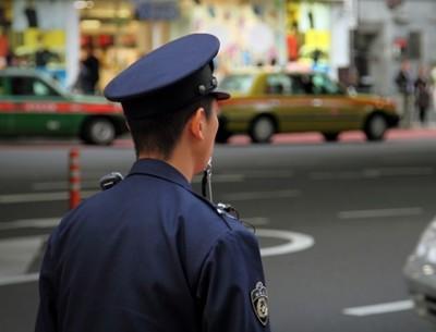 警 察 や め て フ リ ー タ ー な っ た 結 果