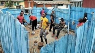 アフリカ人たちが手作りジムで本気で筋トレ始めた結果 → 画像