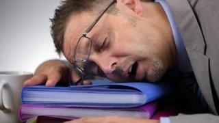 6.5万RTされた『脳が疲れる人と疲れない人の差』を描いた漫画