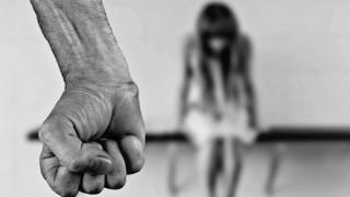 【闇深スレ】義父から性的虐待 イッチからのSOS「動画を撮られてて脅されてる どうしたら良い?」