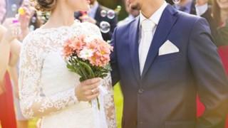 【マジキチ】結婚式で新婦と義父が濃厚キス ⇒動画像